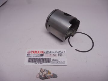 240-11631-00-97 Piston ass'y with ring TD2 250cc racing used good cond.